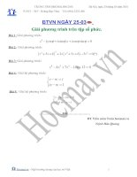 Tài liệu Các bài toán giải phương trình trên tập số phức (Bài tập và hướng dẫn giải) docx