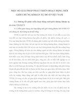 MỘT SỐ GIẢI PHÁP PHÁT TRIỂN HOẠT ĐỘNG MÔI GIỚI CHỨNG KHOÁN TỰ DO Ở VIỆT NAM