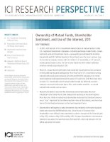 Tài liệu Ownership of Mutual Funds, Shareholder Sentiment, and Use of the Internet, 2011 pdf