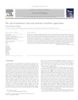 Tài liệu The cycle of preference: Long-term dynamics of aesthetic appreciation docx