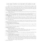 Tài liệu 6 DẤU HIỆU Ở MÓNG TAY CHO BIẾT SỨC KHỎE CỦA BÉ pptx
