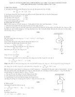 Tài liệu Sử dụng phương trình động lực học vật rắn giải bài toán liên kết ròng rọc với dây treo các vật docx