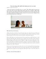 Tài liệu Các kỹ năng cần thiết khi chăm sóc trẻ sơ sinh docx