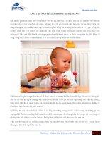 Làm thế nào để trẻ không biếng ăn