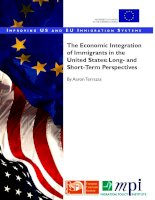 THE ECONOMI INTEGRATION OF IMMIGRANTS IN THE UNITED STATES: LONG-AND SHORT-TERM PERSPECTIVES potx