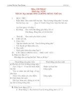 Giáo án âm nhạc lớp 5: Học bài hát: EM LÀ BÔNG HỒNG NHỎ (tiết 2) potx