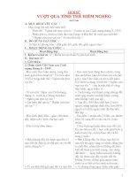 Giáo án lớp 5 môn Lịch Sử: VƯỢT QUA TÌNH THẾ HIỂM NGHÈO pdf