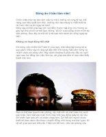 Đừng ăn ở bàn làm việc