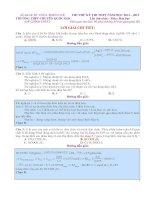 giải chi tiết quốc học huế